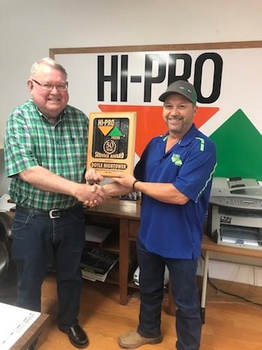 Doyle Hightower accepts his award