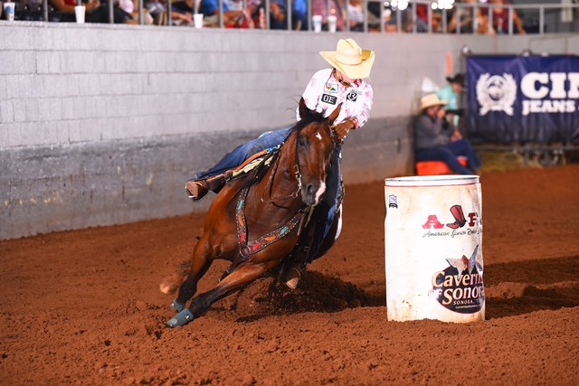 Jordan Driver barrel racing